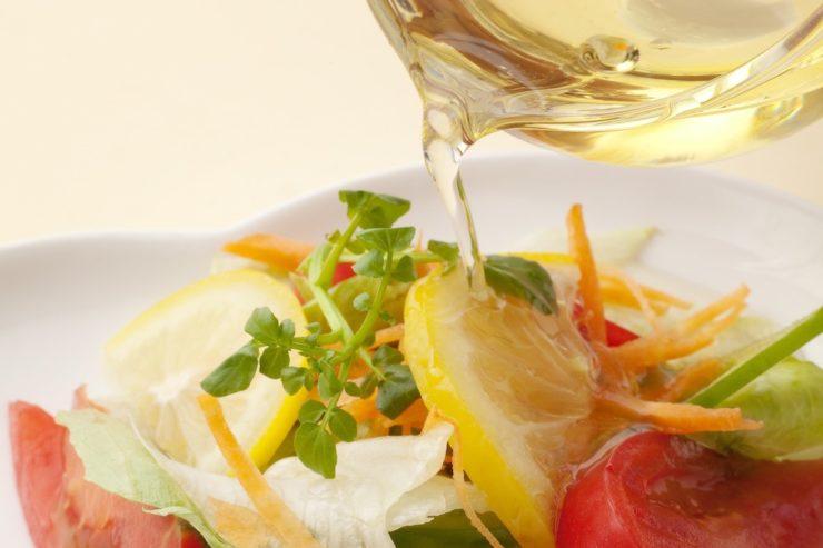 アマニ油をかけたサラダ