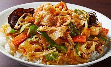 ローソンピリ辛豚焼肉と六品野菜炒め丼