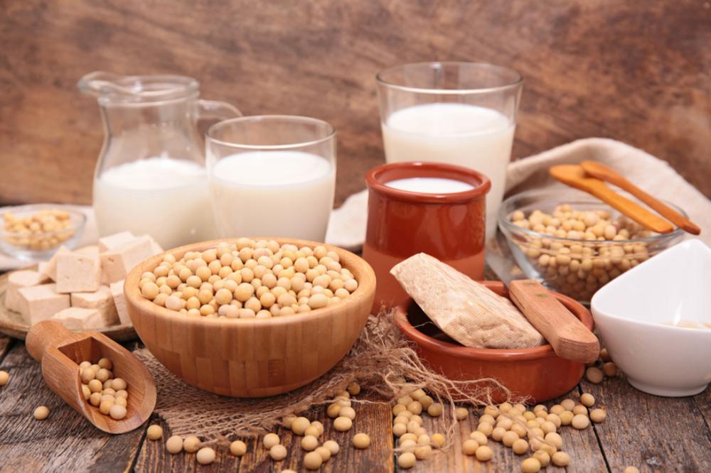 牛乳や大豆、マーガリンに含まれている可能性のある食材